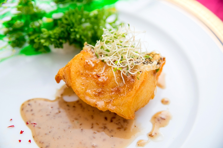 deep-fried-fish-fillets-with-roasted-sesame-paste