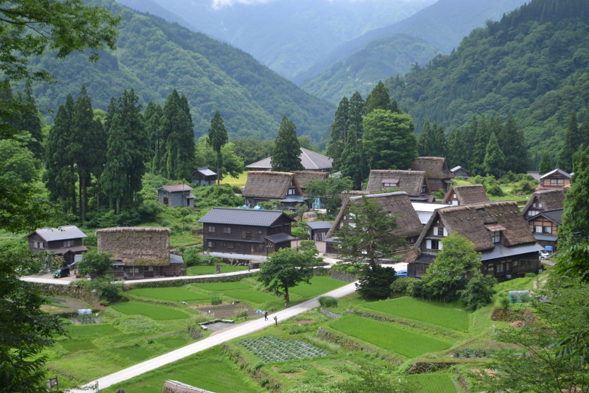 Travelogue Japan The Thatched Roof Houses Of Ainokura